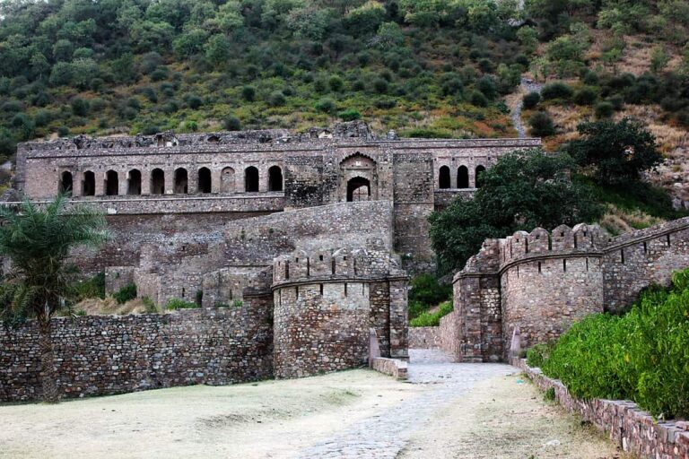 Experience in Dark Bhangarh Fort
