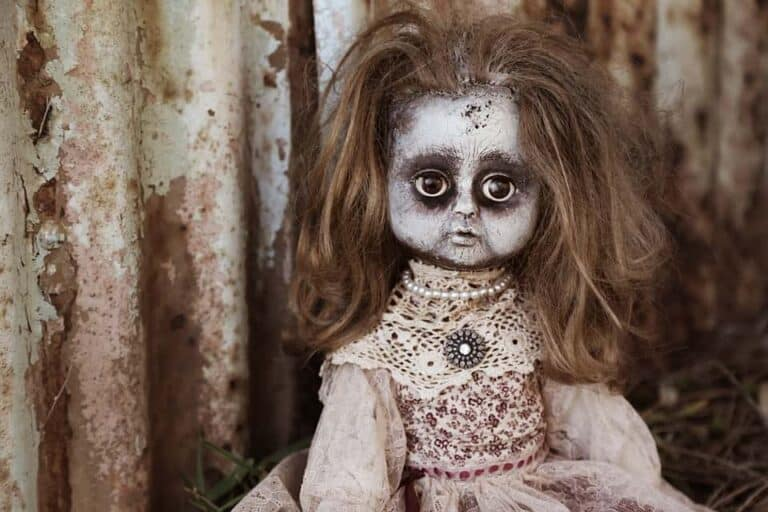 Teenager Fell in Love with a Creepy Zombie Doll and Adamant to Marry Her